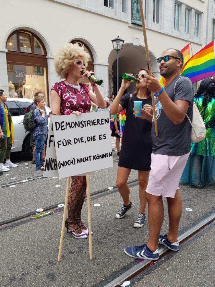 Kunterbunt und Lebensfroh: Der CSD in Frankfurt